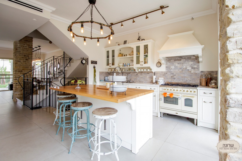 תל מונד בית פרטי מטבח מעוצב